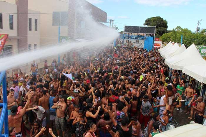 Resultado de imagem para carnaval caravelas 2019