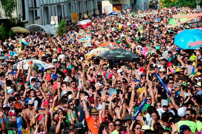 Resultado de imagem para foto do carnaval de caxias