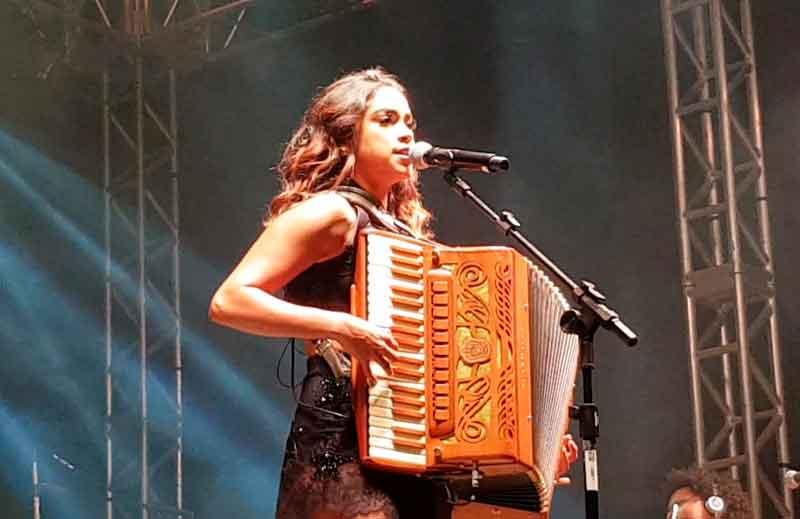 Lucy Alves se apresentará em Guanambi 2019