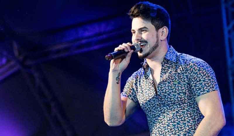 Gabriel Gava faz grande show em Guirapá